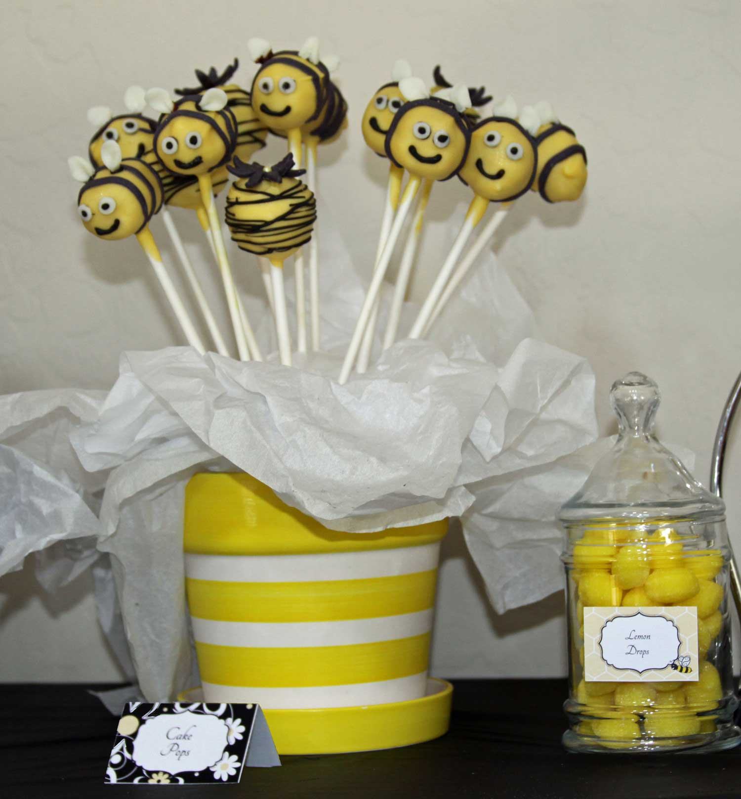 these bumble bee pops elicited squeals of glee from both children and
